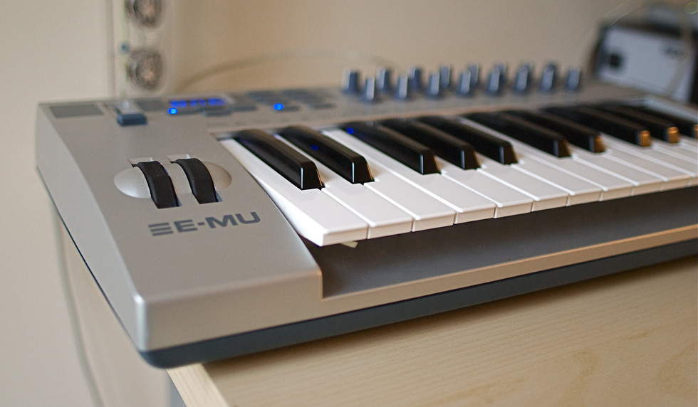 MIDI Keyboard for iPad Live Music Set Up