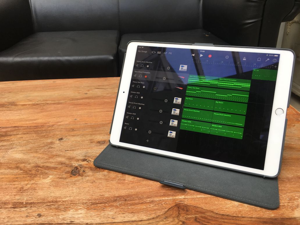 Mobile Music Studio Running GarageBand